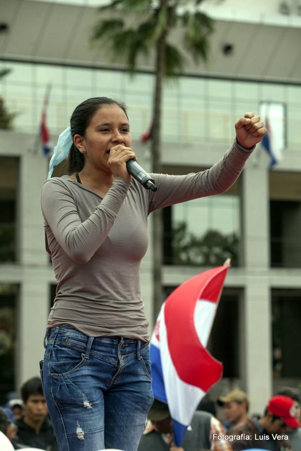 La lideresa campesina, Cynthia González, durante la manifestación del 15 de agosto de 2014 en Paraguay contra las políticas del Gobierno de Horacio Cartes. (c) Luis Vera