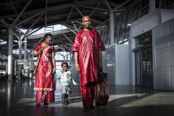 Son muchas las familias que adquieren el compromiso de no practicar la MGF  y además de proteger a sus hijas, se unen a la lucha activa  contra la MGF.