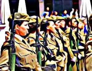 Mujeres en el ejército. Imagen de change.org tuneada por TrasTando.