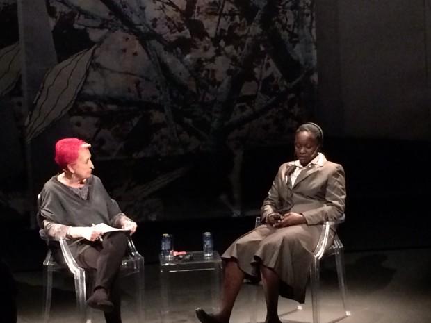 Rosa María  Calaf entrevista a Helena Jorge en el V Encuentro de Mujeres que transforman el mundo. Imagen: Charo Mármol.