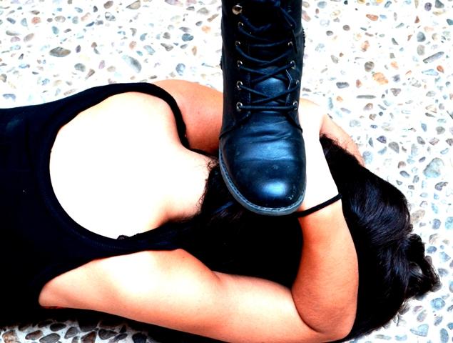 'Aplastada, pisoteada, humillada'. Imagen de Fundación Luz Casanova