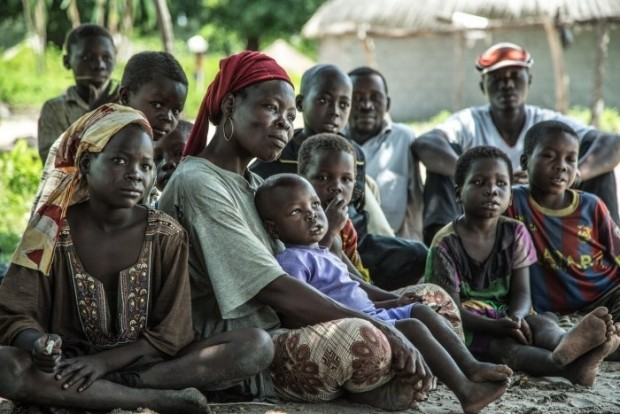 La familia de Jeannette Longayale, de República Centroafricana, refugiada en el sur de Chad. Imagen: Pablo Tosco/Oxfam Intermón