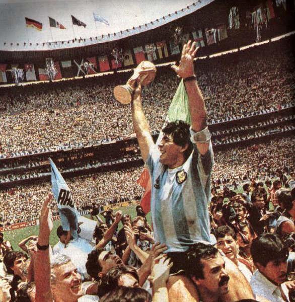 Maradona, tras ganar el Mundial de México (Archivo 20minutos).