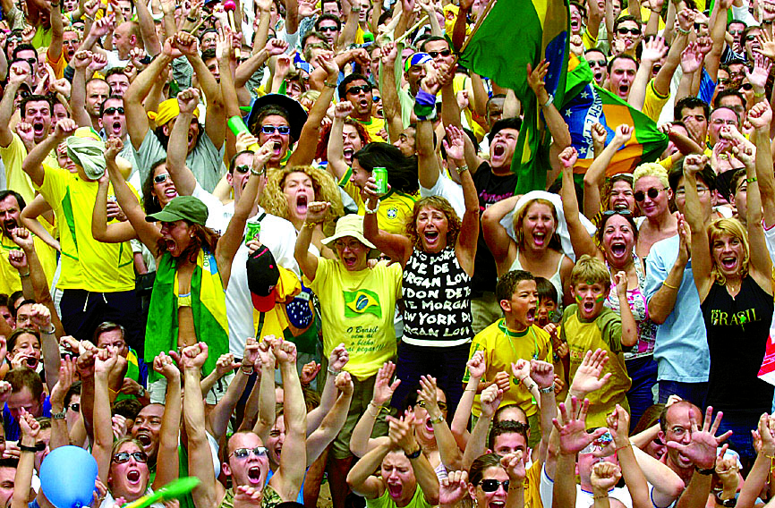 Aficionados brasileños en la grada (ARCHIVO).