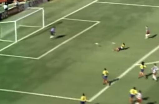 Momento en el cual Escobar se mete el gol en propia puerta ante Estados Unidos (YOUTUBE).