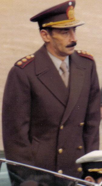Videla, de uniforme en 1976 (WIKIPEDIA).