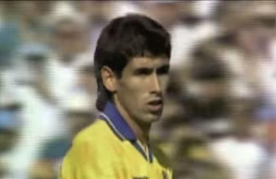 Andrés Escobar, instantes después de meter el gol en propia puerta que le costó al vida (YOUTUBE).