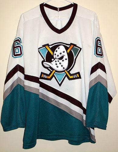 6ad001e0dd0c8 Camisetas para la historia. Anaheim Mighty Ducks (1993-2006)