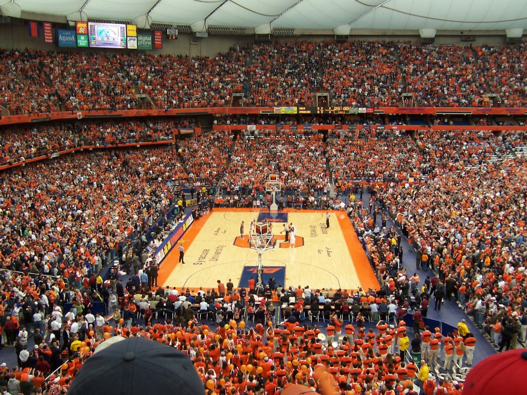 Syracuse_Carrier_Dome_by_spacetime