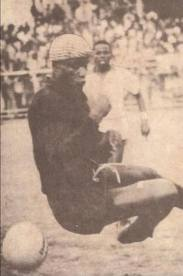 Robert Mensah (WIKIPEDIA)