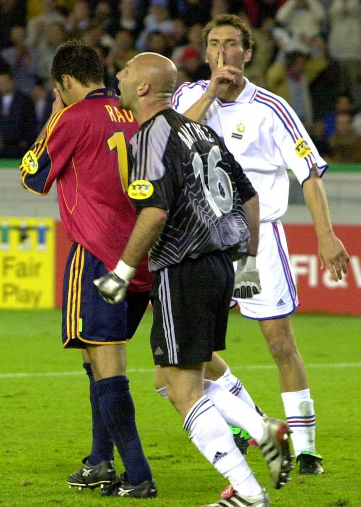 Barthez, ante España en la Eurocopa de 2000 (Archivo 20minutos).