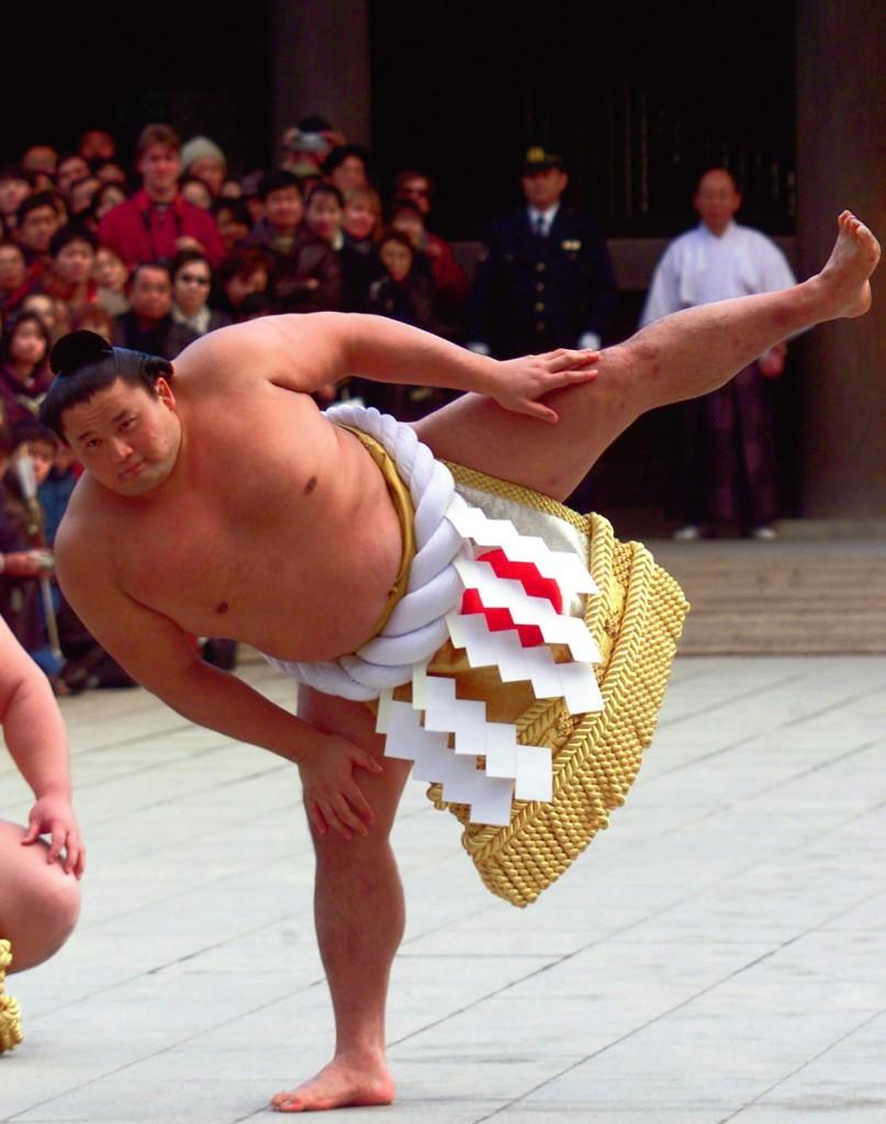 Takanohana ejecutando un 'shiko' (GTRES)