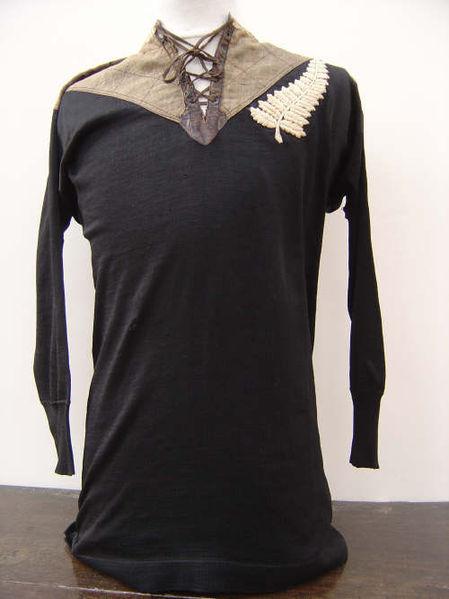Camiseta de los All Blacks de 1905 (WIKIPEDIA)