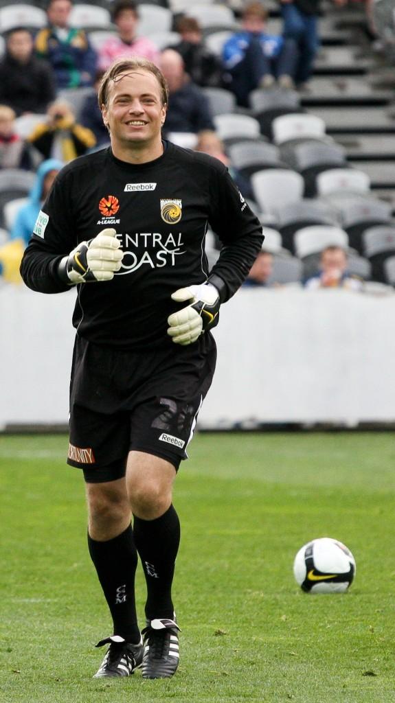 Bosnich, tras su regreso a los terrenos de juego en 2008 (WIKIPEDIA).