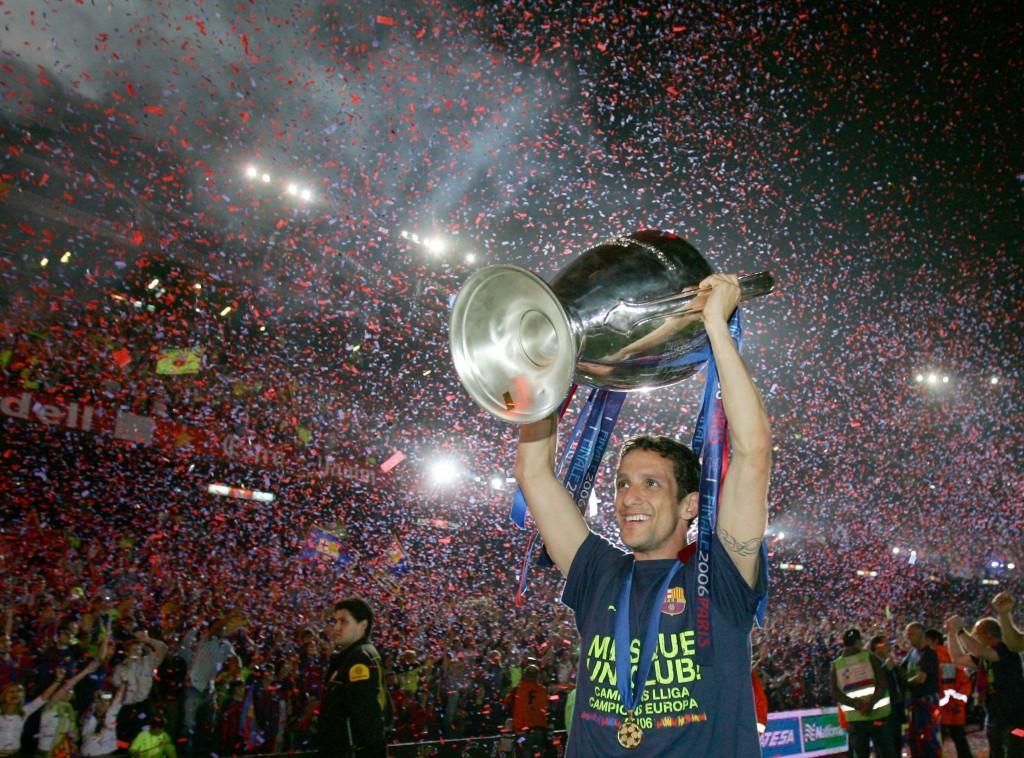 Belletti, con la Champions en la celebración que tuvo lugar en el Nou Camp en 2006 (Archivo 20Minutos)