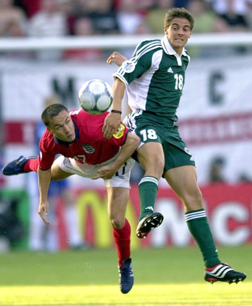 Deisler, con su selección en un partido ante Inglaterra en la Eurocopa de 2000 (Archivo 20minutos).