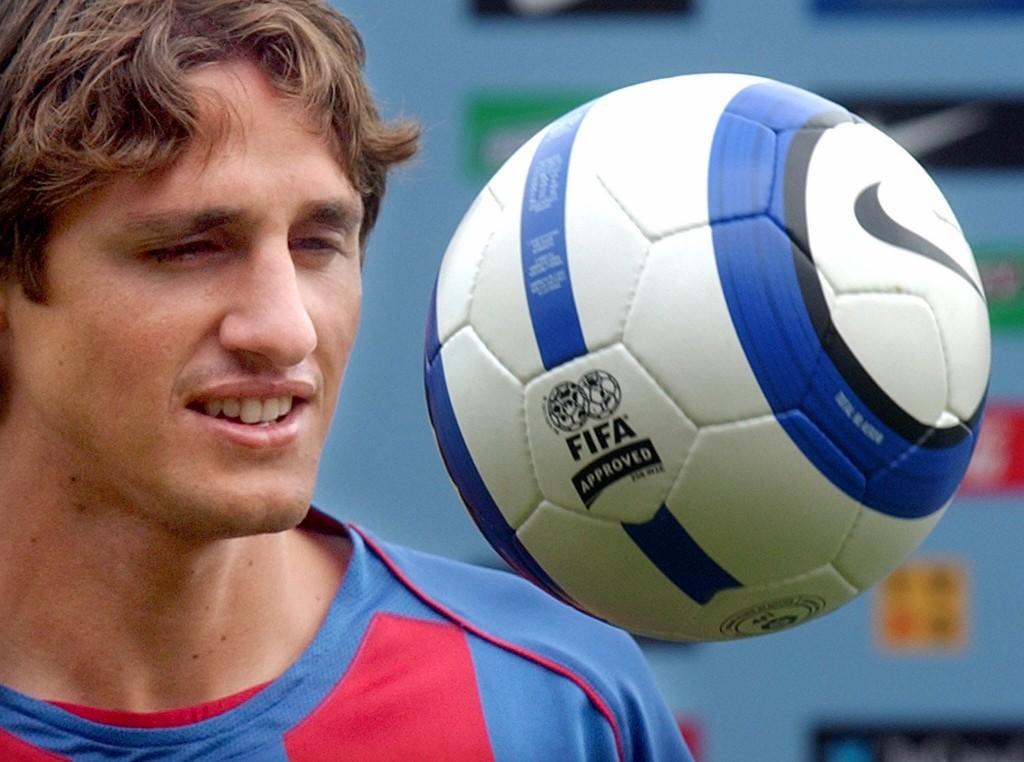 Edmílson, el día de su presentación con el Barça en 2004 (Archivo 20minutos).