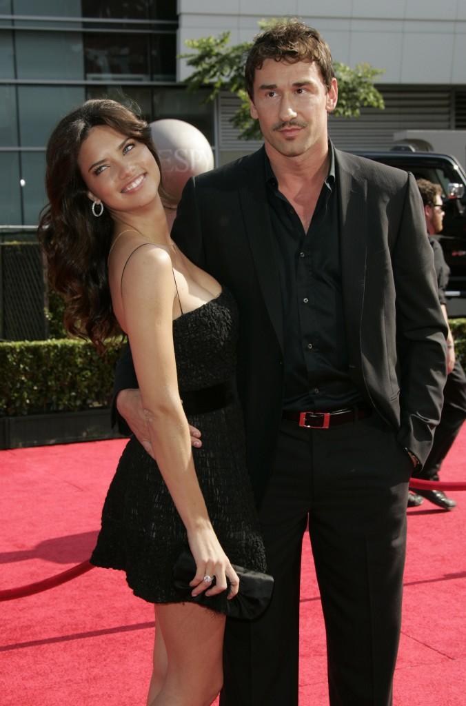 Marko Jaric y su esposa, Adriana Lima, en un evento en 2008 (GTRES).