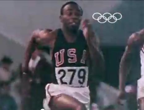 Hines, en un momento de la carrera de México 86 (YOUTUBE).