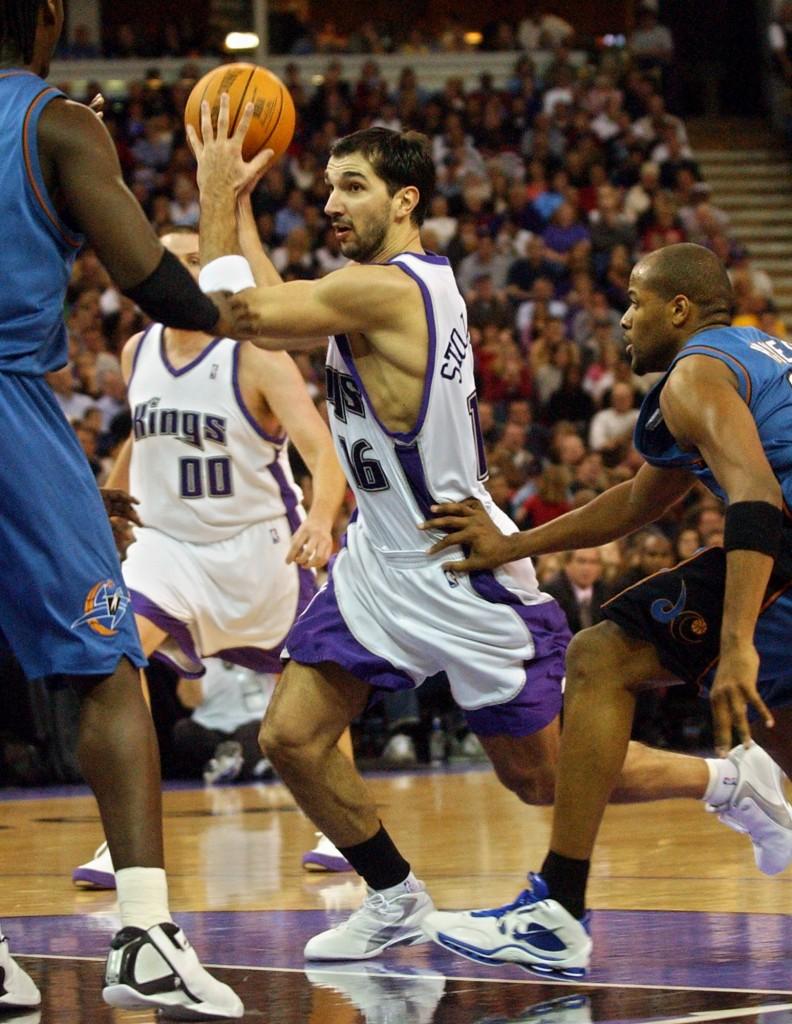Stojakovic, en un partido con Sacramento en 2004 (Archivo 20minutos).