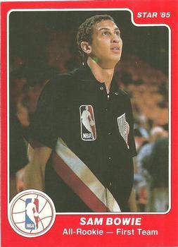 'Trading card' o cromo de Sam Bowie en su época de Portland (d)