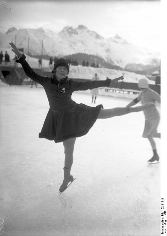 Sonja Henie, patinando en enero de 1931 (BUNDESARCHIV / WIKIPEDIA)