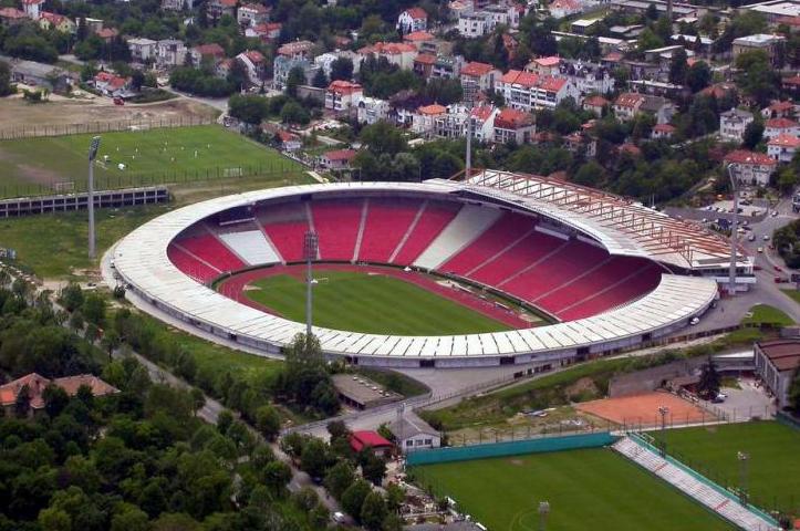 Otra vista del estadio del Estrella Roja (WIKIPEDIA).