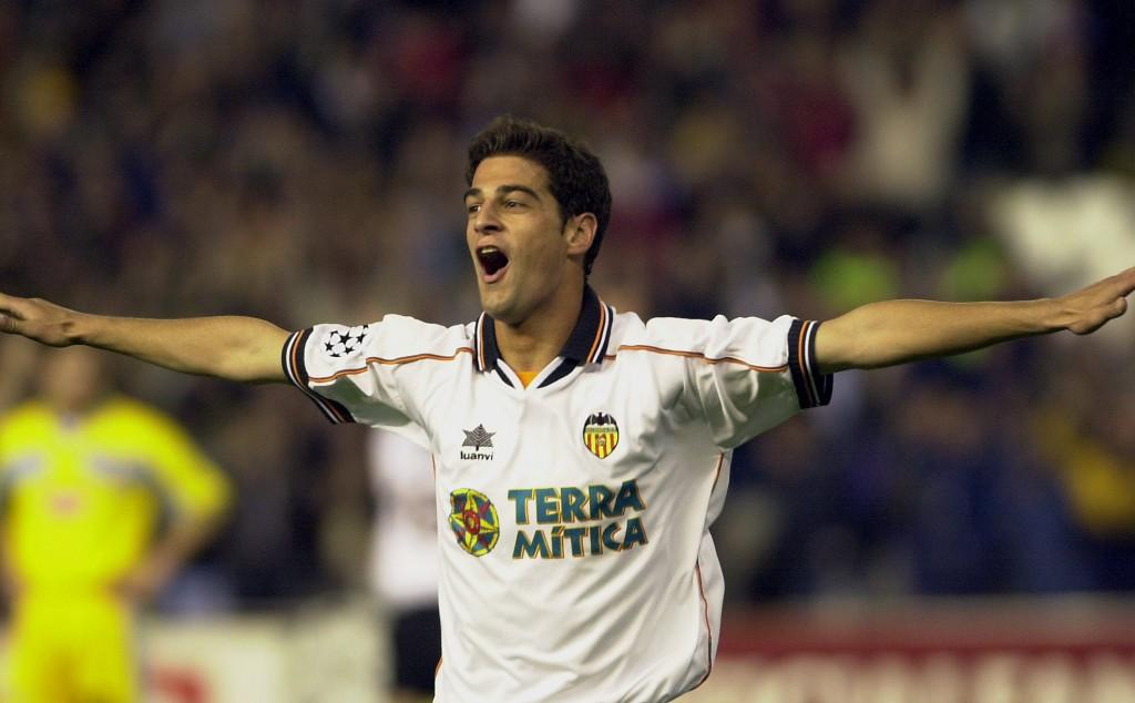 Gerard López, celebrando un gol en un partido de Champions en Mestalla en 2000 (Archivo 20minutos).