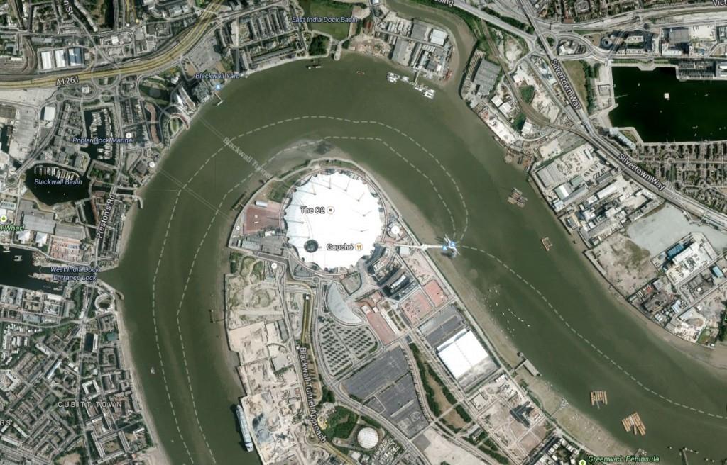 El Millenium Dome, bajo el que está el O2 Arena, visto vía satélite (Google Maps).