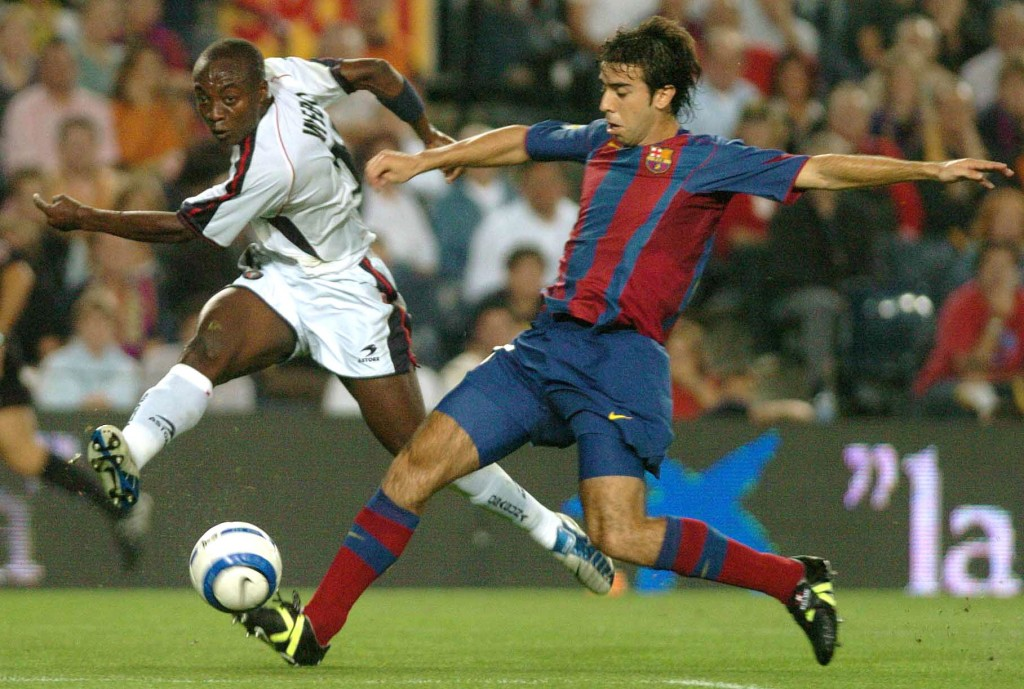 Oleguer, en un partido de la Liga 2004/2005 en el Nou Camp ante Osasuna (Archivo 20minutos).