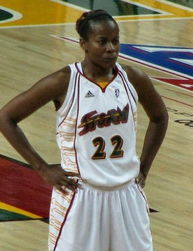 Sheryl Swoopes, en un partido de las Seattle Storm en 2008 (WIKIPEDIA).