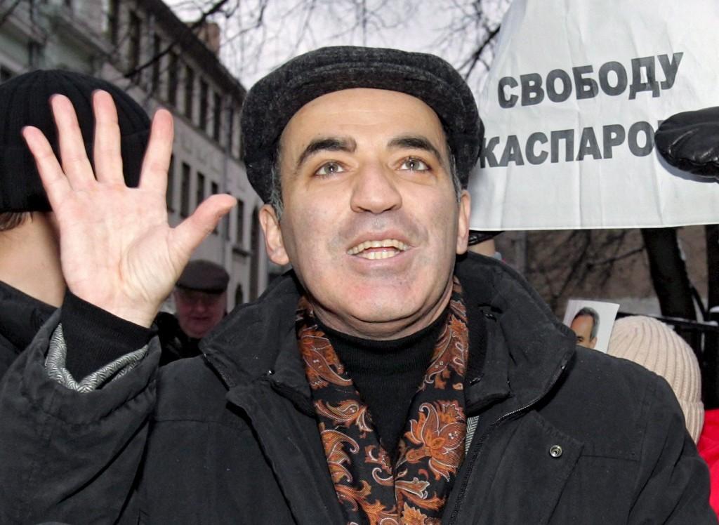 Kasparov, en una manifestación tras salir de la cárcel en 2007 (Archivo 20minutos).