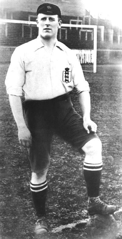 Alf Common, con el uniforme de la selección de Inglaterra (WIKIPEDIA).