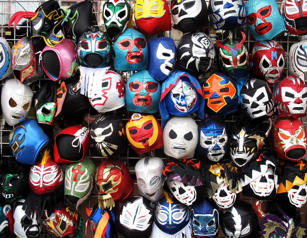 Máscras mexicanas de lucha (WIKIPEDIA).