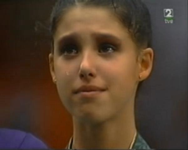 Tania Lamarca llora en el podio de Atlanta 96 (YOUTUBE).