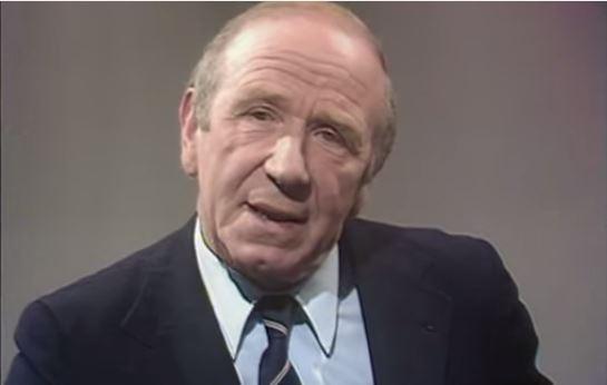 Sir Matt Busby, en una entrevista televisiva (YOUTUBE).