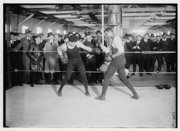 Una escena de un combate del mítico Jack Dempsey sobre 1920.