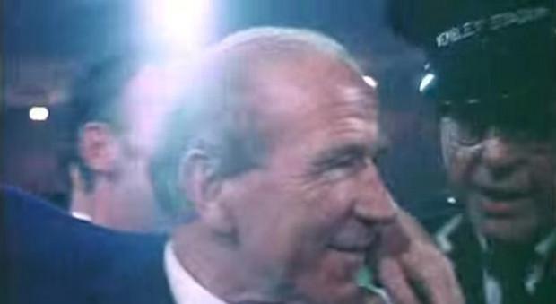 El técnico escocés, agasajado tras ganar la Copa de Europa de 1968 (YOUTUBE).