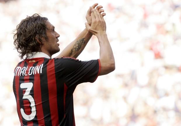 Maldini, en un partido de la Serie A en San Siro ante la Roma en 2009 (Archivo 20minutos).