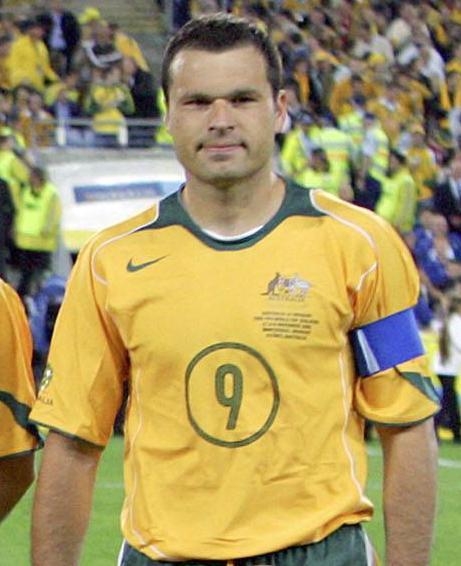 Mark Viduka, capitaneando a la selección australiana (Archivo 20minutos).