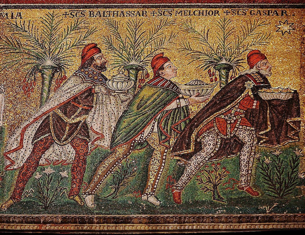 Los Reyes Magos, en un mosaico bizantino del siglo VI en Rávena, Italia (WIKIPEDIA).