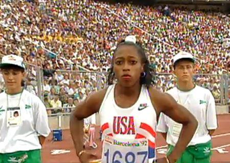Gail Devers, unos segundos antes de ganar su primer oro olímpico (YOUTUBE).