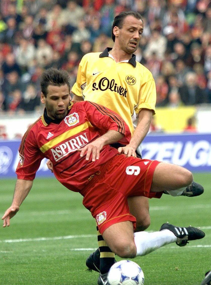 Kirsten, en acción en un partido de la Bundesliga 1999-2000 entre el Bayer Leverkusen y el Borussia de Dortmund (Archivo 20minutos).