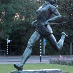 Estatua de Blankers-Koen en Rotterdam (WIKIPEDIA).