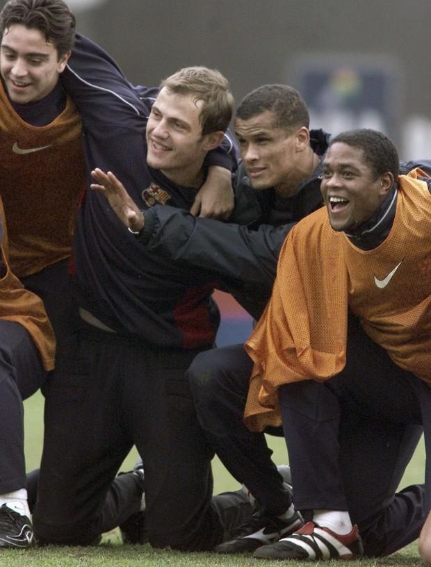 Arnau, en enero de 2000, en un entrenamiento junto a Xavi, Rivaldo y Kluivert (Archivo 20minutos).