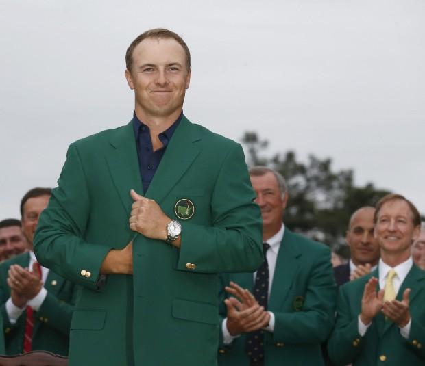 El último ganador del Masters de Augusta, Jordan Spieth, posa con la chaqueta verde (Archivo 20minutos).