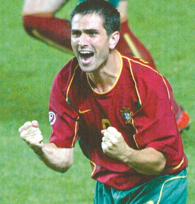 Pauleta celebra un gol con su selección ante Polonia en el Mundial de Corea y Japón 2002 (Archivo 20minutos).