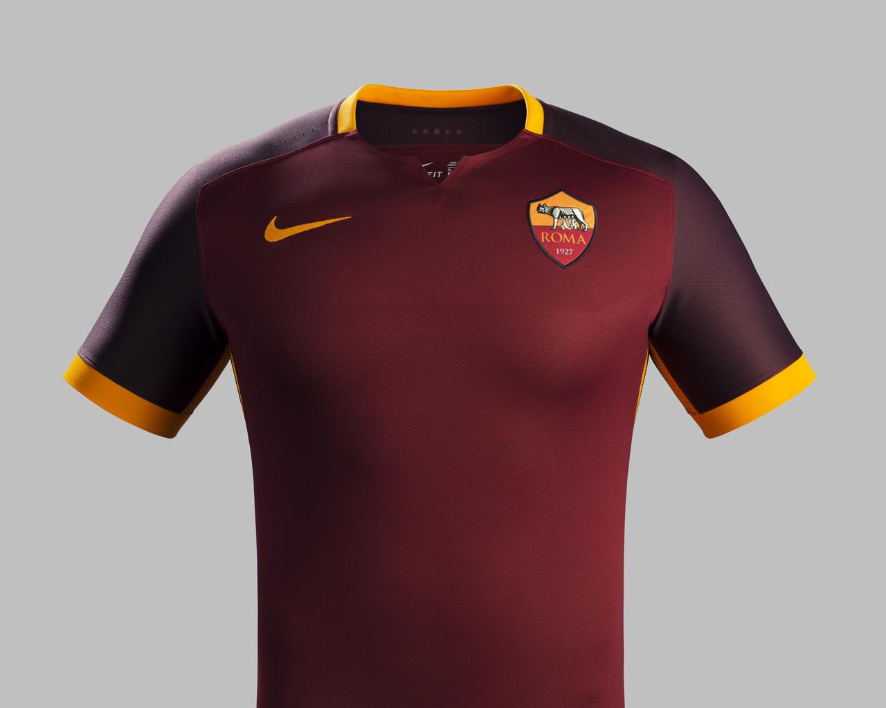 8b91d38634652 traje de futbol ROMA futbol