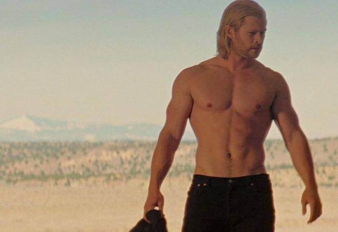 Dolph Lundgren para el remake de Masters del Universo 237_chris-hemsworth-torso-desnudo-escena-thor