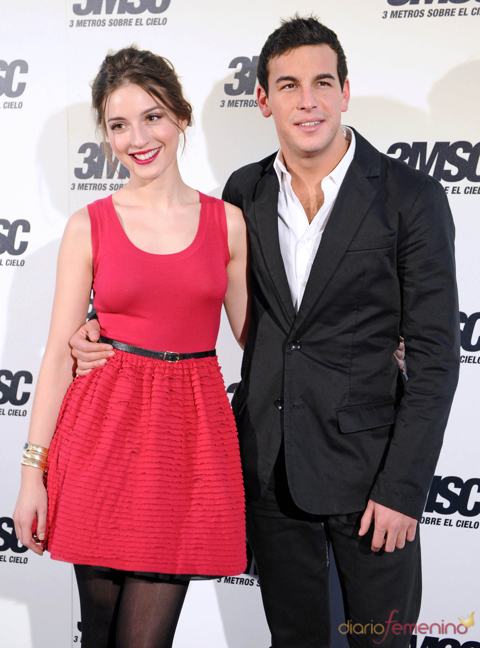 Mario Casas and His Girlfriend